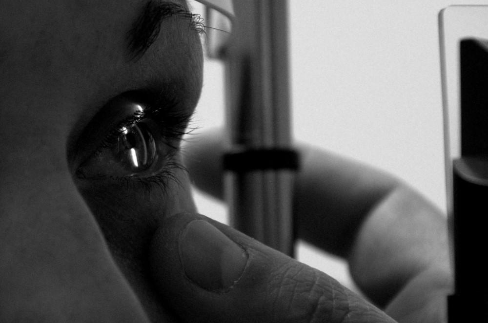 Kontrolle des vorderen Augenabschnitts mit unserer Spaltlampe