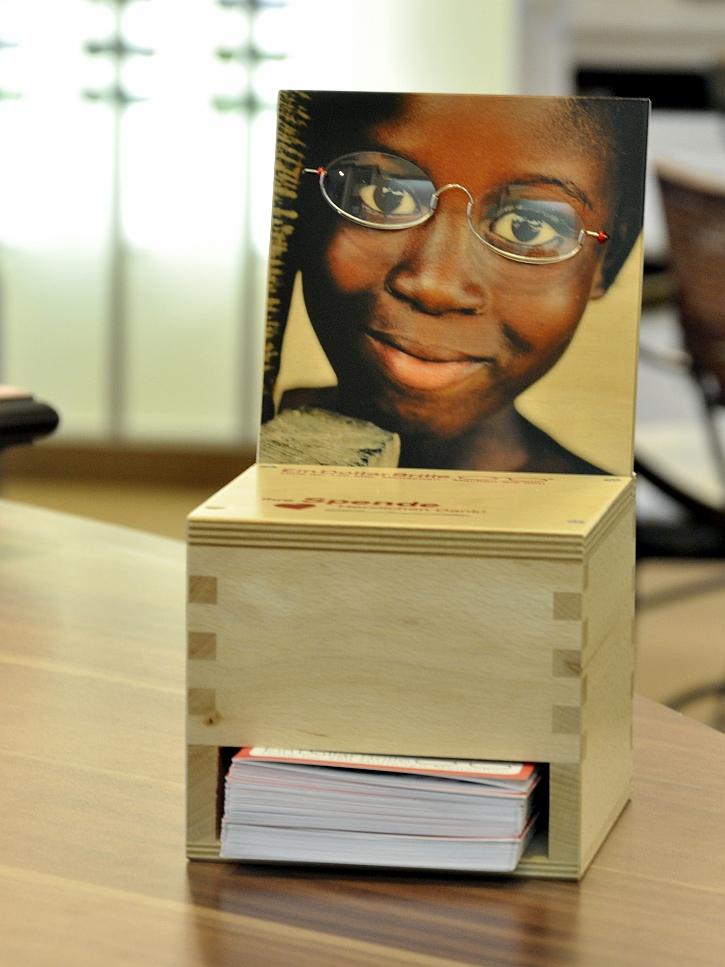 Die Spendenbox für One Dollar Glasses